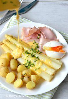 Belgian Food, Bon Ap, Sauce Hollandaise, Dairy Free Diet, Good Food, Yummy Food, Dutch Recipes, My Best Recipe, Asparagus Recipe