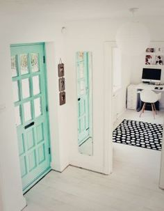 Scandinavian accent door #mint