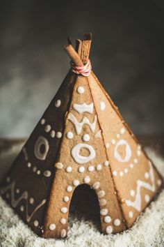 gingerbread house tipi and template