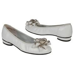 Ros Hommerson Miracle Shoes (White) - Women's Shoes - 12.0 M