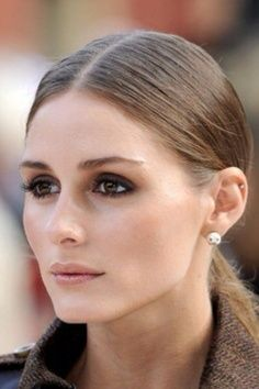 Olivia Palermo, neutral makeup with dark eyes