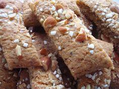 Mandel-kaffe snitter - også for børn Smooth Icing, Strawberry Syrup, Paper Cones, Cannoli, Salted Butter, Sicilian, Quick Easy Meals, Cake Cookies, Brown Sugar