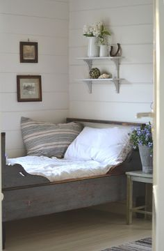 cottage guest room   Tante Monica.  These Norwegian, Swedish beds are so wonderful.