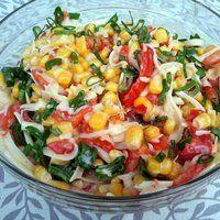 Zapraszam na pyszną sałatkę. Zrobiłam ją na spotkanie ze znajomymi. Oni zrobili grilla a ja przywiozłam sałatkę. Pasuje idealnie. Możemy ją zrobić również do obiadu lub na drugie śniadanie w ... Bon Appetit, Pasta Salad, Salad Recipes, Grilling, Food And Drink, Baking, Vegetables, Ethnic Recipes, Knit Flowers