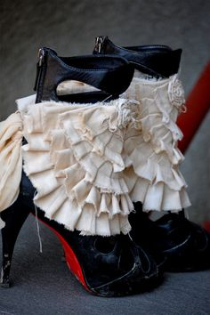spats, steampunk, shoe accessoires, ankle cuffs,victorian, jane austen, bridal, wedding,shaby chic,roses,mori girl, layers and frills,bridal