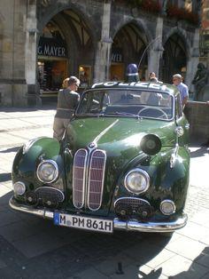 Münchner Polizei-Oldtimer Isar 12