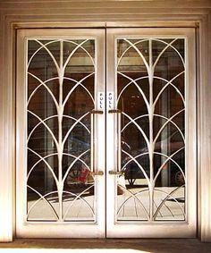 Art Deco doors dors for small wine cellar in dining room. have bronze doors Art Deco doors dors for small wine cellar in dining room. have bronze doors Casa Art Deco, Art Deco Door, Art Deco Stil, Motif Art Deco, Art Deco Design, Window Grill Design, Door Design, Art Nouveau, Interiores Art Deco