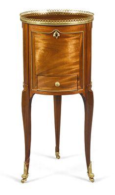 c1765 A Transitional gilt-bronze mounted mahogany work table by Léonard Boudin, circa 1765 Estimación     2,000 — 3,000  GBP 2,445 - 3,667USD Lote. Vendido 4,750 GBP (5,806 USD) (Precio de adjudicación con prima del comprador)