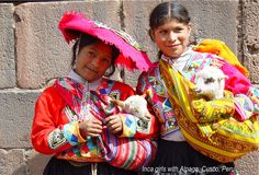 Inca girls with Alpaga, Cusco, Peru