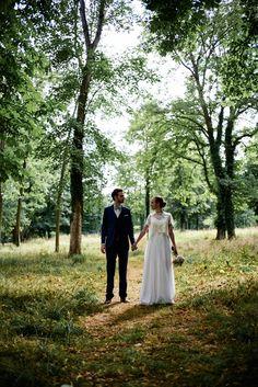 Cyrielle dans sa robe de mariée sur-mesure Mademoiselle de Guise. Wedding / Weddingdress / Lace / Paris