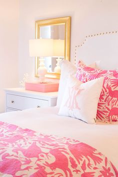 my room tour exciting news a lonestar state of southern my room tour exciting news pink home decor apartment decor ideas decorating your first apar Preppy Bedroom, Feminine Bedroom, Bedroom Decor, My New Room, My Room, Girl Room, First Apartment Decorating, Pink Home Decor, Room Tour