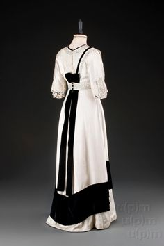 Evening dress, 1907-10 From the Museum of... - Fripperies and Fobs