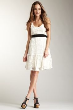 I  don't like dresses that are too short but I really like the ones that are flowy. So this is perfect!