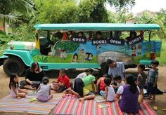 From a bike bookmobile to a floating library to books on a camel, these mobile libraries think outside the box to bring more books to the masses. Library Week, Library Room, Library Ideas, Beautiful Library, Beautiful Mind, Mobile Library, Philippines Culture, Vintage Library, My Art Studio