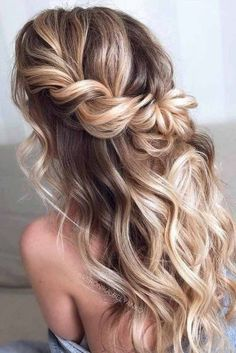 Wedding Hairstyles Half Up Half Down Easy To Do Half Up Hairstyles Twisted Blonde Highlights Twist Hairstyles, Formal Hairstyles, Bride Hairstyles, Hairstyle Ideas, Dance Hairstyles, Homecoming Hairstyles, Hairstyles Haircuts, Wedding Hairstyles Long Hair, Prom Hairstyles All Down