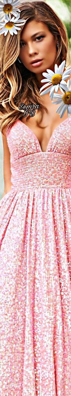 Daisy Mae, Gladiolus, Sherri Hill, Peonies, Vip, Strapless Dress, Royalty, Gowns, Flower