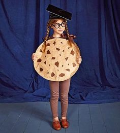 Cookie Costume -- Punny Halloween Costume Your kids will love this funny, punny costume. Get instructions to make this graduation-ready cookie.Your kids will love this funny, punny costume. Get instructions to make this graduation-ready cookie. Pun Costumes, Punny Halloween Costumes, Homemade Halloween Costumes, Cute Halloween Costumes, Halloween Kostüm, Costume Ideas, Play On Words Costumes, Terrifying Halloween, Woman Costumes