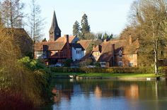 Whitchurch Village on Thames, taken from the bridge over the River Thames