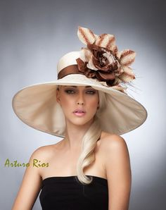 Kentucky Derby Hat Fashion Hat Lampshade Hat Taffeta by ArturoRios Kentucky Derby Fashion, Kentucky Derby Hats, Fancy Hats, Cool Hats, Big Hats, Derby Outfits, Fascinator Hats, Fascinators, Headpieces