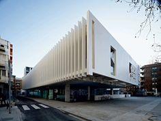 CASA DE LA CULTURA DI LLORET DE MAR DE DANIEL MÒDOL A As Architecture, Concrete Facade, Stairs, Exterior, Gallery, Building, Outdoor Decor, Travel, Home