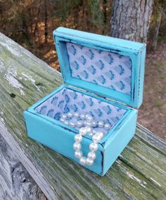 Check out this item in my Etsy shop https://www.etsy.com/listing/264647206/shabby-chic-jewelry-box-turquoise  #shabbychicjewelrybox #shabbychic #shabbychicbox #jewelrybox #vintagejewelrybox #turquoise #RobinsStudio #recycledbox #vintagebox #turquoisebox #RobinsStudio #recycledbox #vintagebox #turquoisejewelrybox #shabbychic