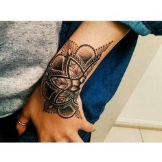 Hand Tattoos For Women - Tattoo Ideen Cover Up Tattoos, Dot Tattoos, Body Art Tattoos, Sleeve Tattoos, Tatoos, Tattoo Ink, Hand Tattoo Cover Up, Wrist Hand Tattoo, White Tattoos