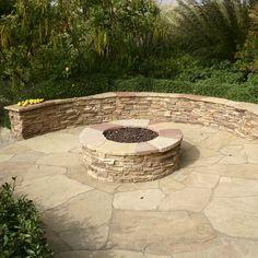 Flagstone Pathway, Rock Pathway, Backyard Patio Designs, Backyard Landscaping, Patio Ideas, Fire Pit Landscaping Ideas, Stone Patio Designs, Pavers Ideas, Walkway Ideas