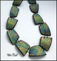 Tiled silkscreened necklace by Helen Breil. Modern Jewelry, Boho Jewelry, Jewelry Art, Jewelry Design, Jewlery, Polymer Clay Necklace, Polymer Clay Beads, Porcelain Clay, Fantasy Jewelry