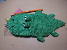 (7) كروشيه مقلمة/حافظة/شنطة اقلام شكل تمساح crochet crocodile pencils case - YouTube