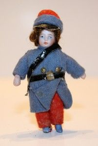 franzoesische puppenstubenpuppe , lilliputian doll , peg jointed all bisque tiny doll