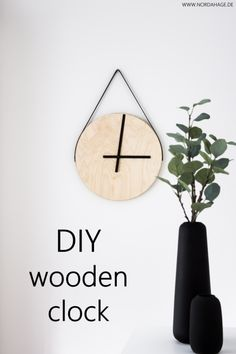 DIY // Wooden watch from IKEA Frosta stool / wooden clock Wooden Clock, Wooden Diy, Frosta Ikea, Diy Furniture Redo, Diy Apartment Decor, Diy Clock, Diy Home Decor On A Budget, Diy Interior, Decorating On A Budget