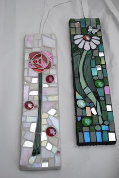 Daisy Mosaic by Rock Jelly Mosaics. These are simple enough for me to actually try!