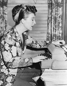 Burlesque performer/actress Gypsy Rose Lee at her typewriter, 1956. #vintage #1950s #burlesque #office #typewriters