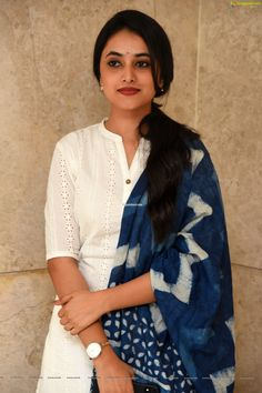 Telugu Actress Priyanka Arul Mohan at Gang Leader Movie Press Meet Photos Beautiful Girl Indian, Most Beautiful Indian Actress, Beautiful Saree, Beautiful Women, Simple Kurta Designs, Kurta Designs Women, Churidar Designs, Leader Movie, Allu Arjun Hairstyle