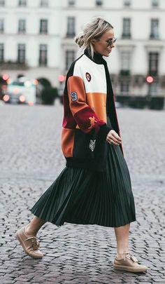 Fall Street Style Outfits to Inspire- Tyyne Huhtaniska- Fashion 2018, Fashion Week, Look Fashion, Skirt Fashion, Trendy Fashion, Womens Fashion, Feminine Fashion, Fashion Fall, Classy Outfits