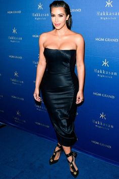 Kim Kardashian Parties In A John Galliano Strapless Dress At Hakkasan Nightclub…