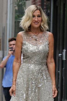 Sarah Jessica Parker sports platinum blonde bob for her role as a jazz singer in the upcoming film, Best Day of My Life.