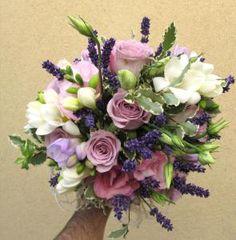 buchet mireasa lavanda 2 Bridesmaid Flowers, Wedding Bouquets, Wedding Flowers, Wedding Dresses, Nasa, Craft Projects, Floral Wreath, Romantic, Wreaths