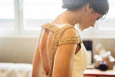 La espalda de Ana decorada en oro viejo no pasó desapercibida para nadie, tampoco para la fotógrafa Patricia Bara que quiso retratarla en esta instantánea.