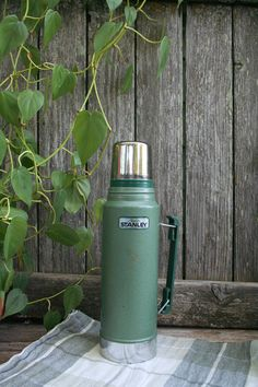 Vintage Wear, Vintage Green, Stanley Thermos, Coffee Thermos, Nashville, Scandinavian, Basement, Retro, Mugs