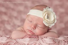@Candace Lyles  - baby girl; newborn photography from Gail Montgomery Photography ♥