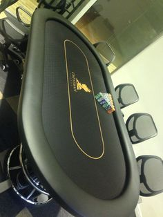 Custom Poker Table Macau – Table world Table Games, Game Tables, Poker Texas, Custom Poker Tables, Sports Office, Diy Garage Storage, Cigar Room, Poker Face, Tasting Table