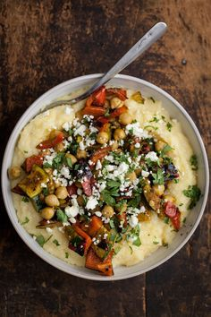 27 Delicious And Healthy Meals With No Meat Curry Grilled Vegetables with Chickpeas and Creamy Polenta - Delicious Vegan Recipes Veggie Recipes, Whole Food Recipes, Vegetarian Recipes, Dinner Recipes, Cooking Recipes, Healthy Recipes, Healthy Meals, Vegetarian Dish, Healthy Grilling