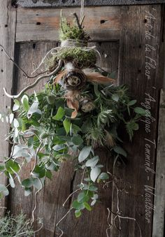 Pin by Esther Reumkens on Pasen Nordic Christmas, Christmas Makes, Primitive Christmas, Christmas Wreaths, Christmas Decorations, Dried Flower Bouquet, Dried Flowers, Decoration Inspiration, Diy Decoration