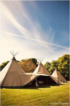 A tipi marque! Tipi Wedding Inspiration, Wedding Ideas, Style Inspiration, Alternative Wedding Venue, Delphine Manivet, Daisy Hill, Wedding Events, Weddings, Earthship