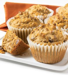 Be tempted by this easy Carrot and bran muffins recipe Bran Muffins, Baking Muffins, Baking Cups, Muffins Sains, Cream Cheese Muffins, Cake Bars, Pastry Shop, Healthy Muffins, Base