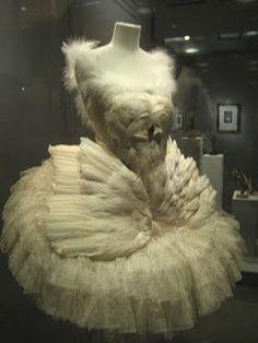 Anna Pavlova's swan costume. Oh my gosh... <3 <3 <3 ♥ www.thewonderfulworldofdance.com #ballet #dance