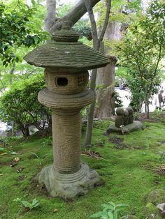 Stone lantern in Hasedera-temple, Kamakura