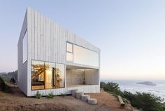 Located on the coast of Chile, D House was designed by Panorama Arquitectos in collaboration with WMR Arquitectos. This house in Matanzas is Nature Architecture, Residential Architecture, Contemporary Architecture, Architecture Details, Interior Architecture, Journal Du Design, Two Storey House, Commercial Architecture, Modern House Design