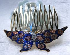hair pin.. women beauty' s love. Check out this item in my Etsy shop https://www.etsy.com/listing/215324606/vintage-cloisonne-hair-comb-butterfly
